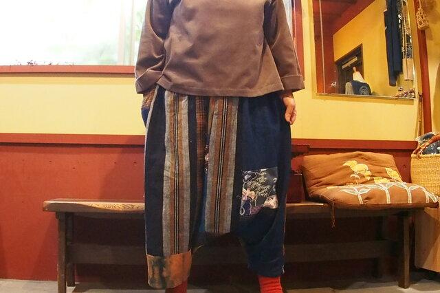 秋のお出かけに!染め木綿に古布縞格子などでおとなのサルエルパンツの画像1枚目