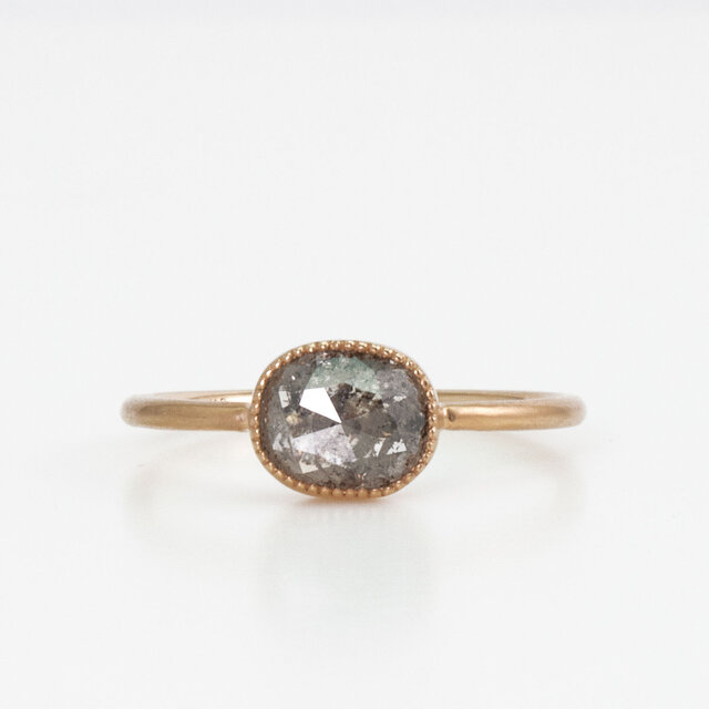Natural diamond ring / Oval rosecutの画像1枚目