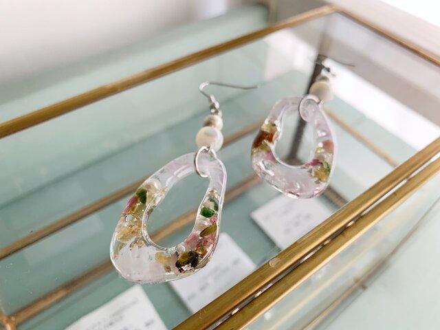 【10月の誕生石】「希望」の宝石言葉を持つトルマリン&マザーオブパール・イヤリング/ピアスの画像1枚目