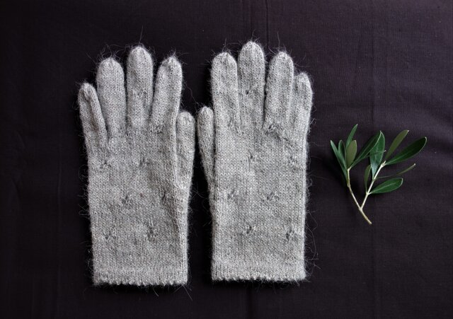 アルパカ糸の手袋/シナモンベージュ/22センチの画像1枚目