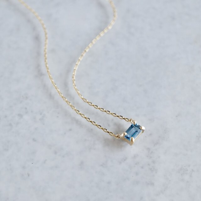 Aquamarine octagon necklace [P086K10YG(AQ)]の画像1枚目