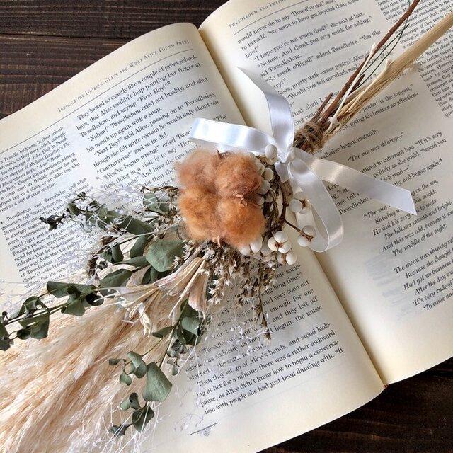 星月猫★「ブラウンコットンフラワーとパンパスグラスの一輪挿し用スワッグ」ドライフラワースワッグ 花束の画像1枚目
