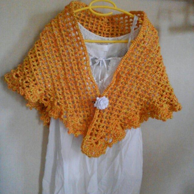 オレンジの三角ストールの画像1枚目