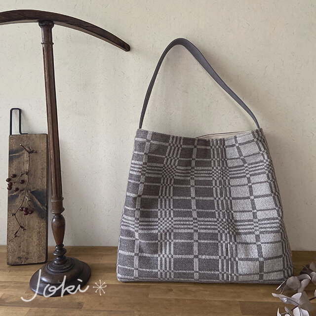 bag[手織りワンショルダーバッグ]ベージュの画像1枚目