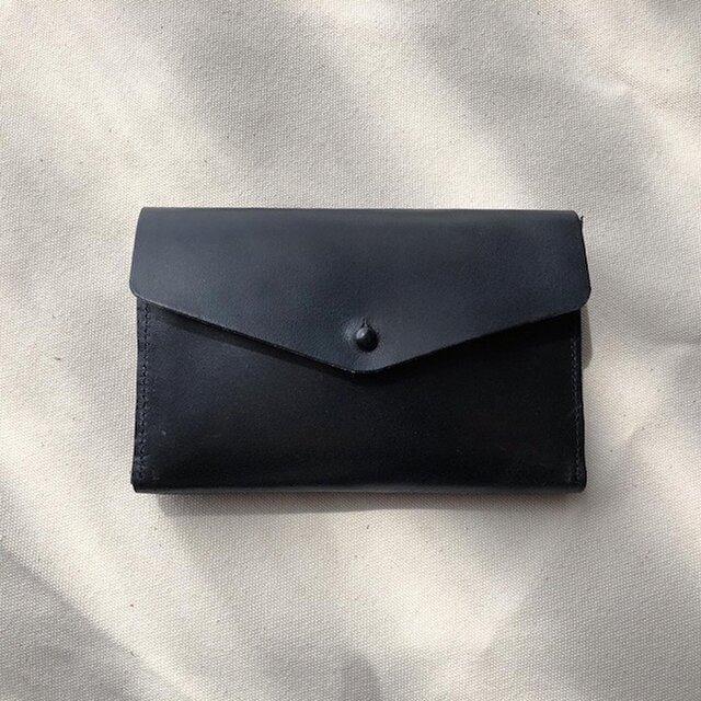小銭が探しやすい 革のミニ財布 イタリア製レザー Medium Basic Walletの画像1枚目
