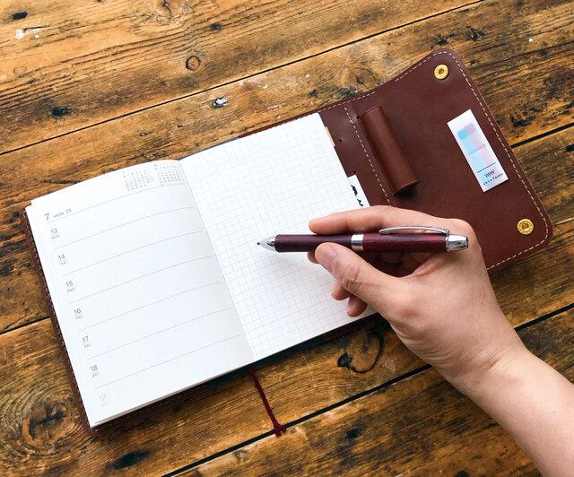システム手帳みたいに使えるノートカバー【A6】/ 全3色 / スケジュール帳 / レザー / 名入れの画像1枚目