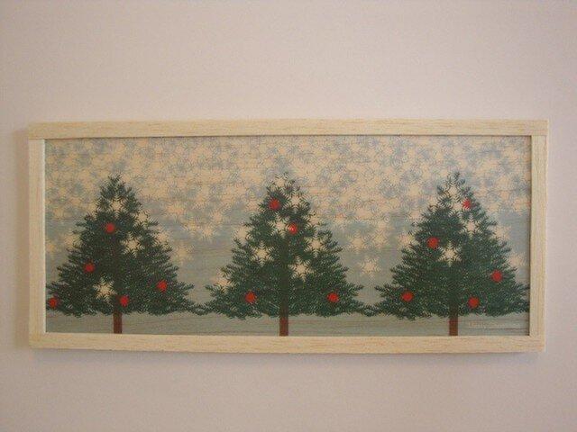tree and snowの画像1枚目