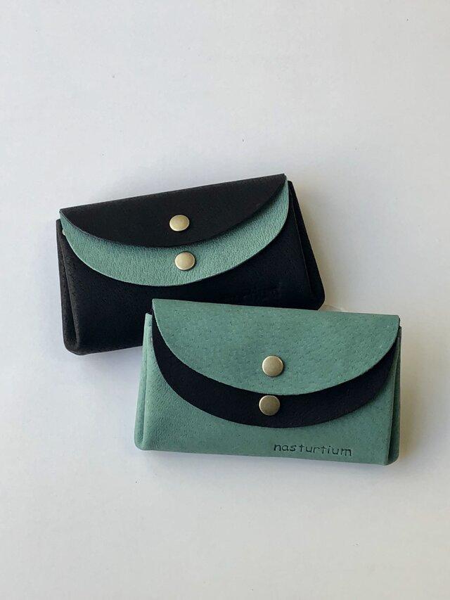 ピッグスキンの小さなお財布 ターコイズグリーン×黒の画像1枚目