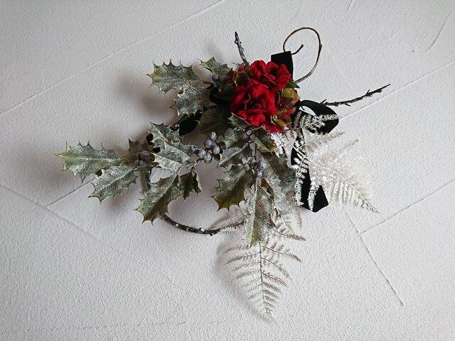 classic holly wreathの画像1枚目