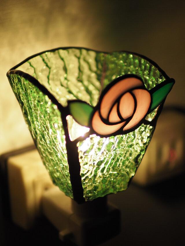 「おやすみランプ・ピンクのバラ&黄緑色」ステンドグラスランプ フットランプの画像1枚目