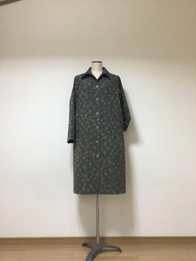 紬のコートドレス    モスグリーン   着物リメイクの画像1枚目