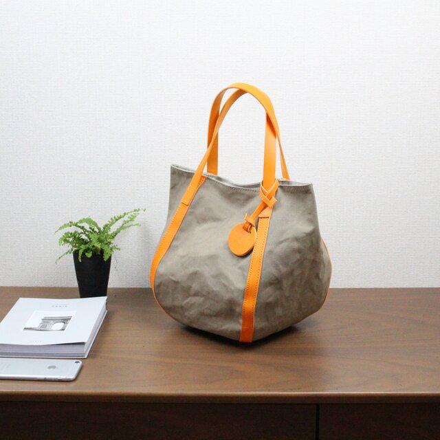 バルーンバッグ ヌメ 革 × パラフィン帆布 オレンジの画像1枚目