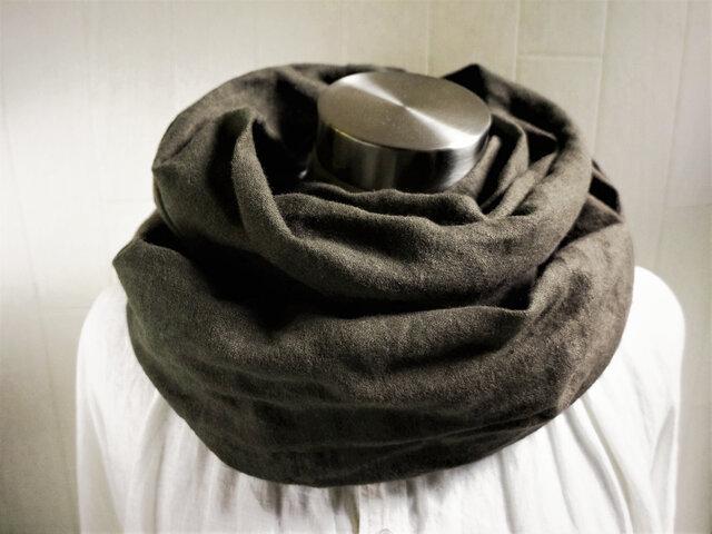 秋冬 あったか起毛リネンのスヌード チャコールブラウンの画像1枚目