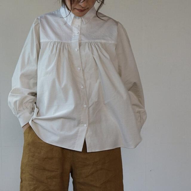 peasant shirts[マイクロコーデュロイ×コットンワッシャー][ivory]の画像1枚目
