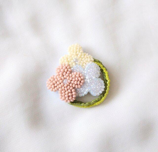 小花のリース ピンク ブローチの画像1枚目