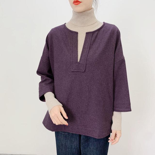 en-enウール混紡・キーネックプルオーバー・濃く濃い紫の画像1枚目