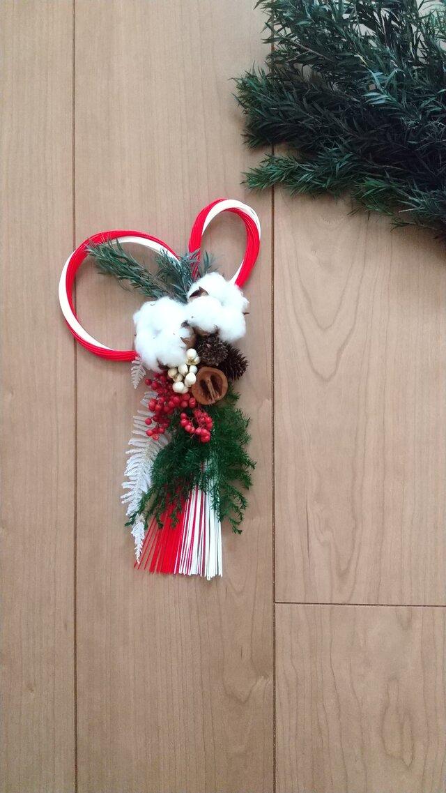 [再販]『受注製作』綿の実とクルミの正月飾り (プリザーブドフラワードライフラワーグリーン アンティーク ギフト)の画像1枚目