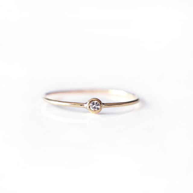K18ダイヤモンドの2mmフクリン留めリング ~Ellieの画像1枚目