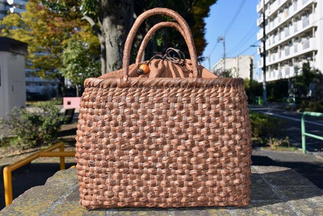 山葡萄籠バッグ | ダイヤ編み | 巾着と中布付き | (約)幅32cmx高さ24cmx奥行12cm | 人気商品の画像1枚目