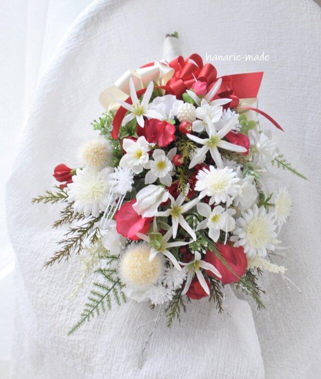 スワッグ 寿ぎ 2020 紅白:水仙 デージー スイトピー 赤 白 小枝の画像1枚目