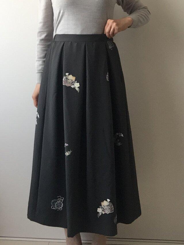 着物リメイクスカート 車輪と花の画像1枚目