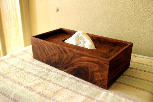 TK さま専用 家具職人の作る ティッシュケース 「ウォールナット 節あり」 一品物の画像1枚目