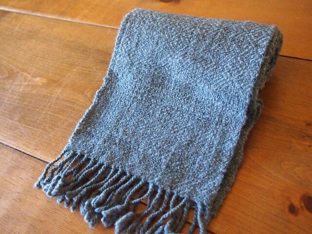 手紡ぎのマフラー(グレー・綾織)の画像1枚目