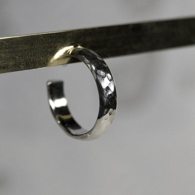 槌目 シルバープレーンフープピアス 4.0mm幅 凸凹|SILVER PIERCE|387の画像1枚目