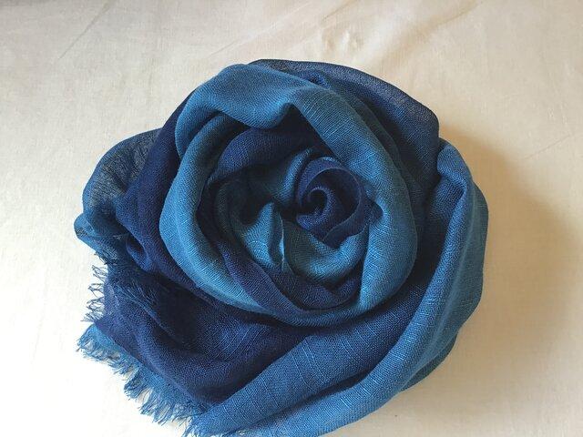 草木染め シルクストール 藍 紺〜ブルーの画像1枚目