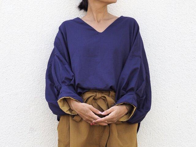 リバーシブル《芥子色×瑠璃色》/4wayバルーン袖のトップスの画像1枚目