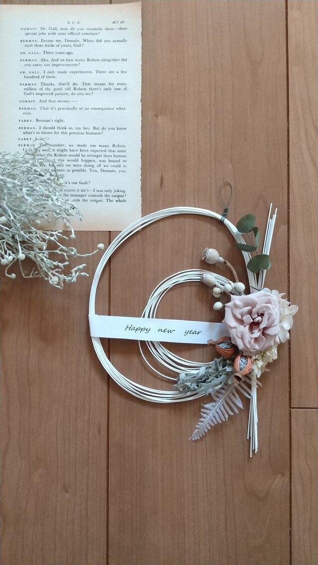 フレンチマリアンヌと白水引の正月飾り (プリザーブドフラワードライフラワーグリーン アンティーク ギフト)の画像1枚目