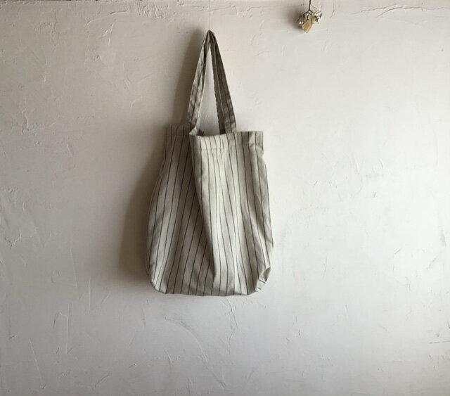 草木染め 小さくたためるバッグ 若草色 大の画像1枚目