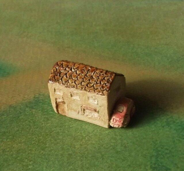 陶の家-ピンクの車付きの画像1枚目