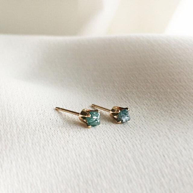 【K14GF】 小粒天然ダイヤモンド 原石のピアスの画像1枚目