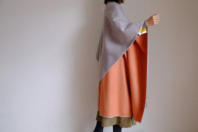 新作・ロング ケープ コート Re_1say /カシミヤ【 ダブルフェイス・オレンジ&ライトグレー 】の画像1枚目