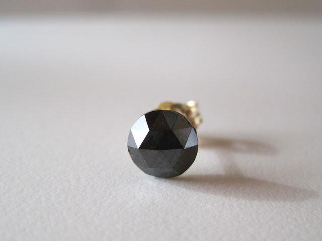 ブラックダイヤモンドのルースピアス 片耳 14kgfの画像1枚目
