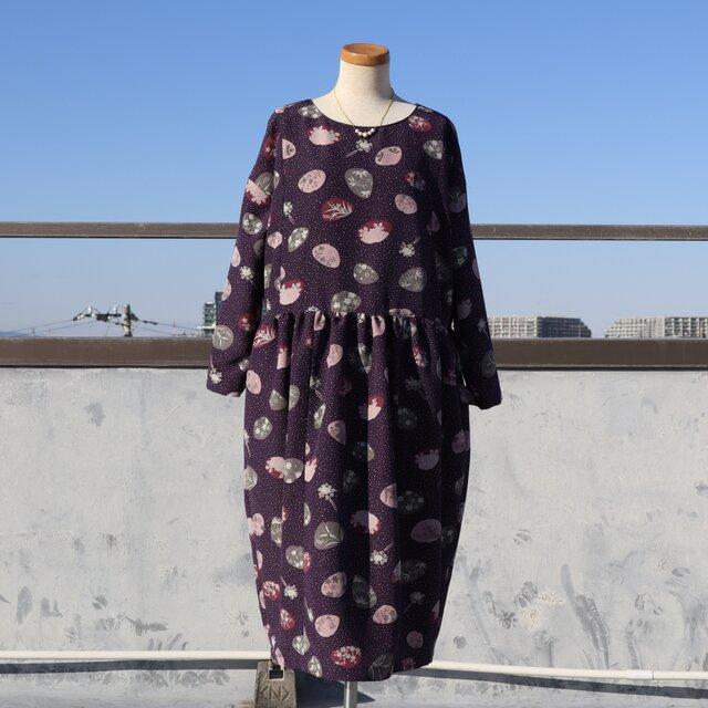 着物リメイク●小紋の着物から作ったコクーンワンピース(洗える着物・貝合わせ・M~L)の画像1枚目