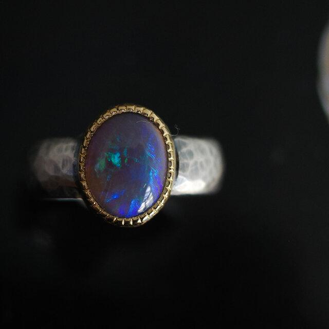 ブラックオパール 22KYG-silver925 の指環の画像1枚目