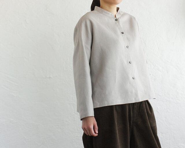 厚手リネン スタンドカラーブラウス ショート丈バンドカラーシャツ (グレージュ)の画像1枚目