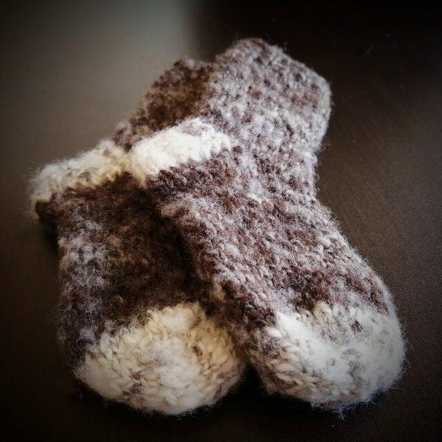肌にやさしい手紡ぎ糸のKids手編み靴下 ツートンの画像1枚目