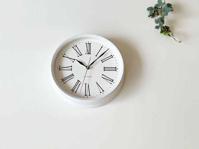 muku clock 5 ローマ数字 ホワイト 電波時計 連続秒針  km-58WRCの画像1枚目