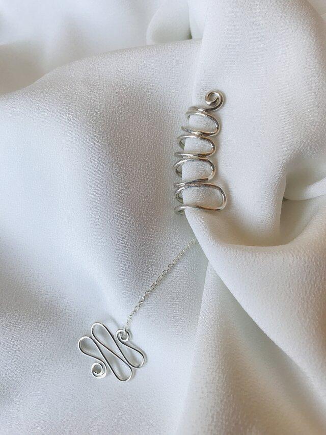 Silver950 くねくねワイヤーイヤーカフ右用・くねくね付きの画像1枚目