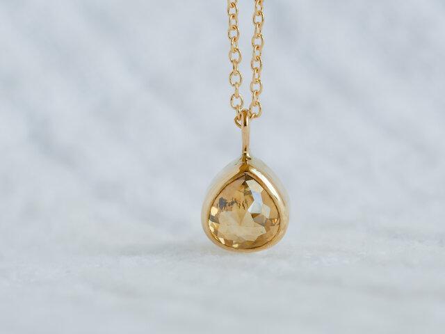 Golden Drop Diamond Necklaceの画像1枚目