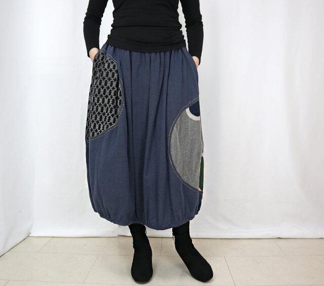 草木染め、手描染め刺繡入りコットンバルーンスカート、ブルー2、フリーサイズの画像1枚目