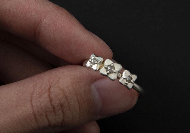 ローズカットダイヤのお花のリング の画像1枚目