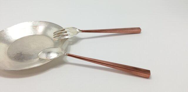 【化粧箱入り】銀&銅 接ぎ合わせのスプーンとフォークの画像1枚目