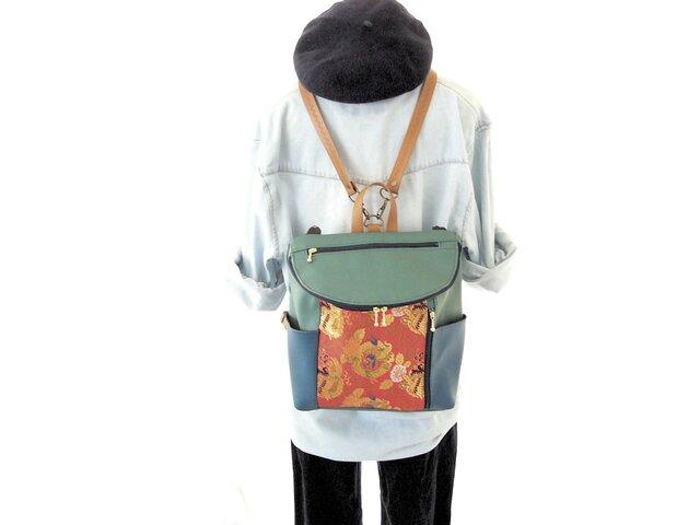 【衣絵】超軽量約350gの金襴(きんらん)3WAYリュック 唐草丸竜赤 緑の画像1枚目