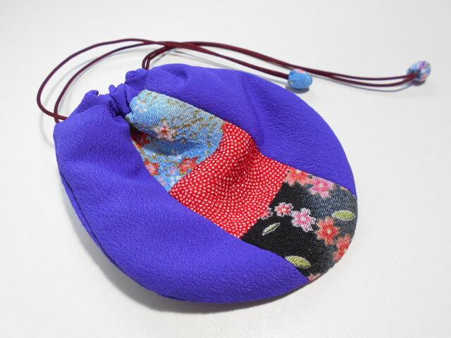 ちりめんパッチのミニ巾着袋/紫・青赤黒の画像1枚目
