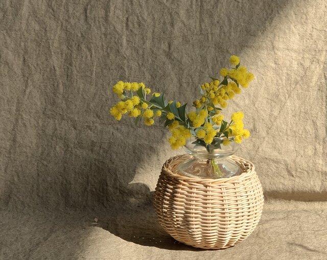 籐の花瓶の画像1枚目