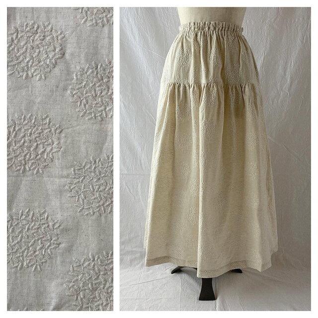 刺繍たっぷり生地のティアードスカート:85cm(生成地×刺繍:生成)の画像1枚目